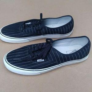 Vans Lace up Low Cut Pinstripe Sneakers